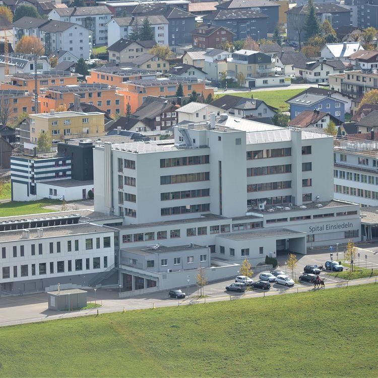 Spital Einsiedeln - Bezirksrat will Defizitgarantie auflösen